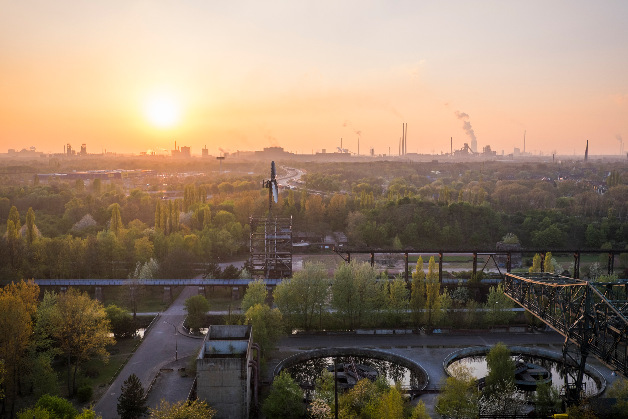 Gemeinsam mit der unmittelbar benachbarten Kokerei Zollverein gehören die Schachtanlagen 12 und 1/2/8 der Zeche Zollverein seit 2001 zum Welterbe der UNESCO. Zollverein ist Ankerpunkt der Europäischen Route der Industriekultur © Klaus-Peter Kappest