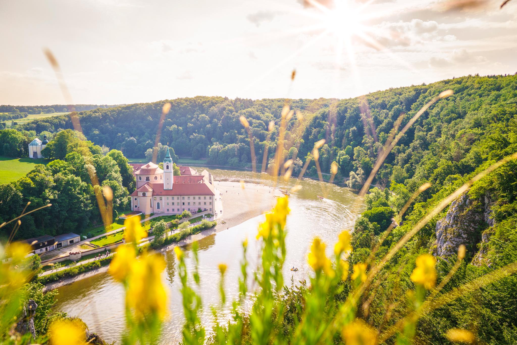 Das genial gelegene Kloster Weltenburg - wer wollte hier nicht mal übernachten ... © Tourismusverband Naturpark Altmühl, Dietmar Denger