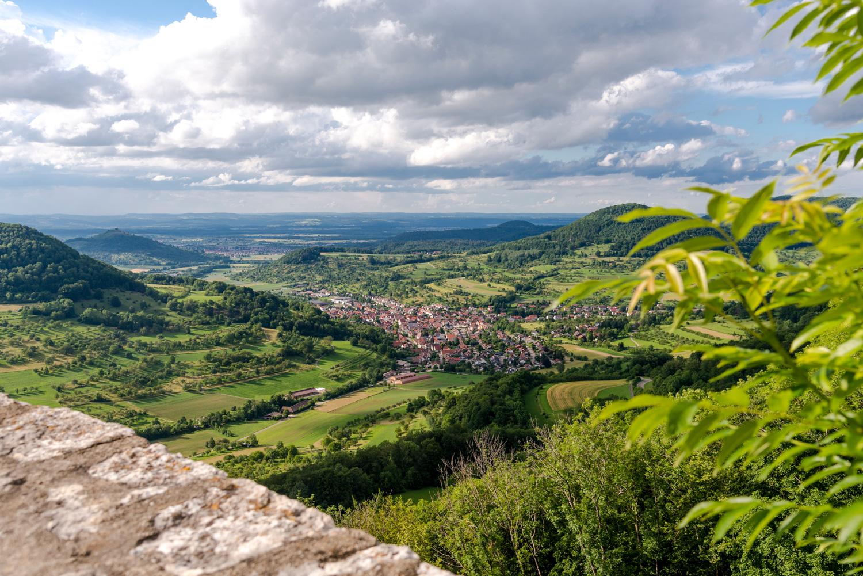 Blick von der Burgruine Reußenstein ins Neidlinger Tal © TMBW, G. Lengler