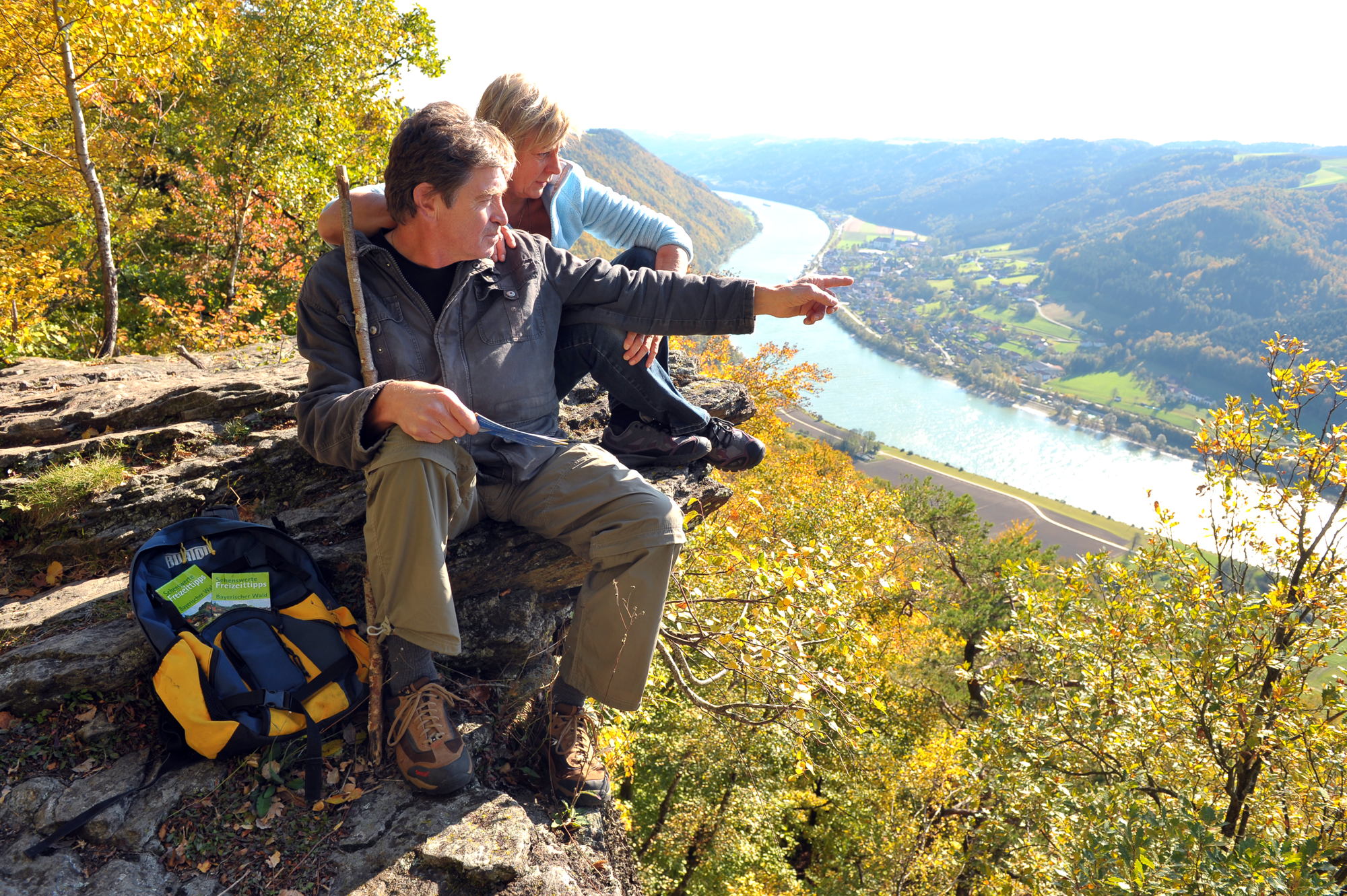 Wandern entlang des Donausteigs am Elbsteinfelsen © Geisler 2012