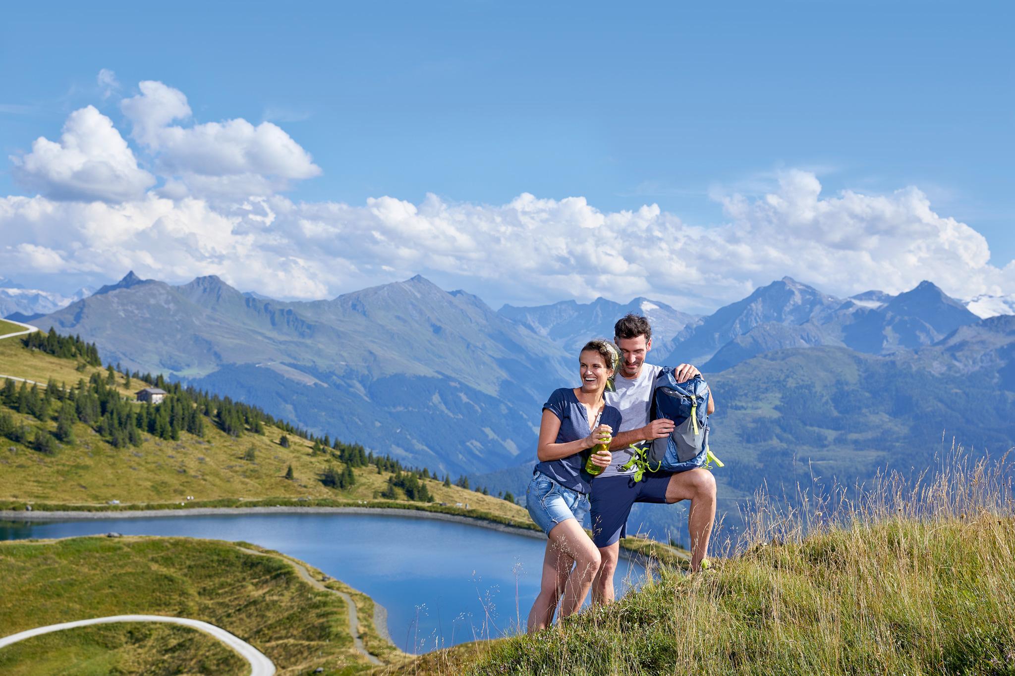 Der Panoramaweg auf der Resterhöhe bietet wunderschöne Bergpanoramen und Aussichten Fotos: © Mittersill Plus GmbH/Michael Huber