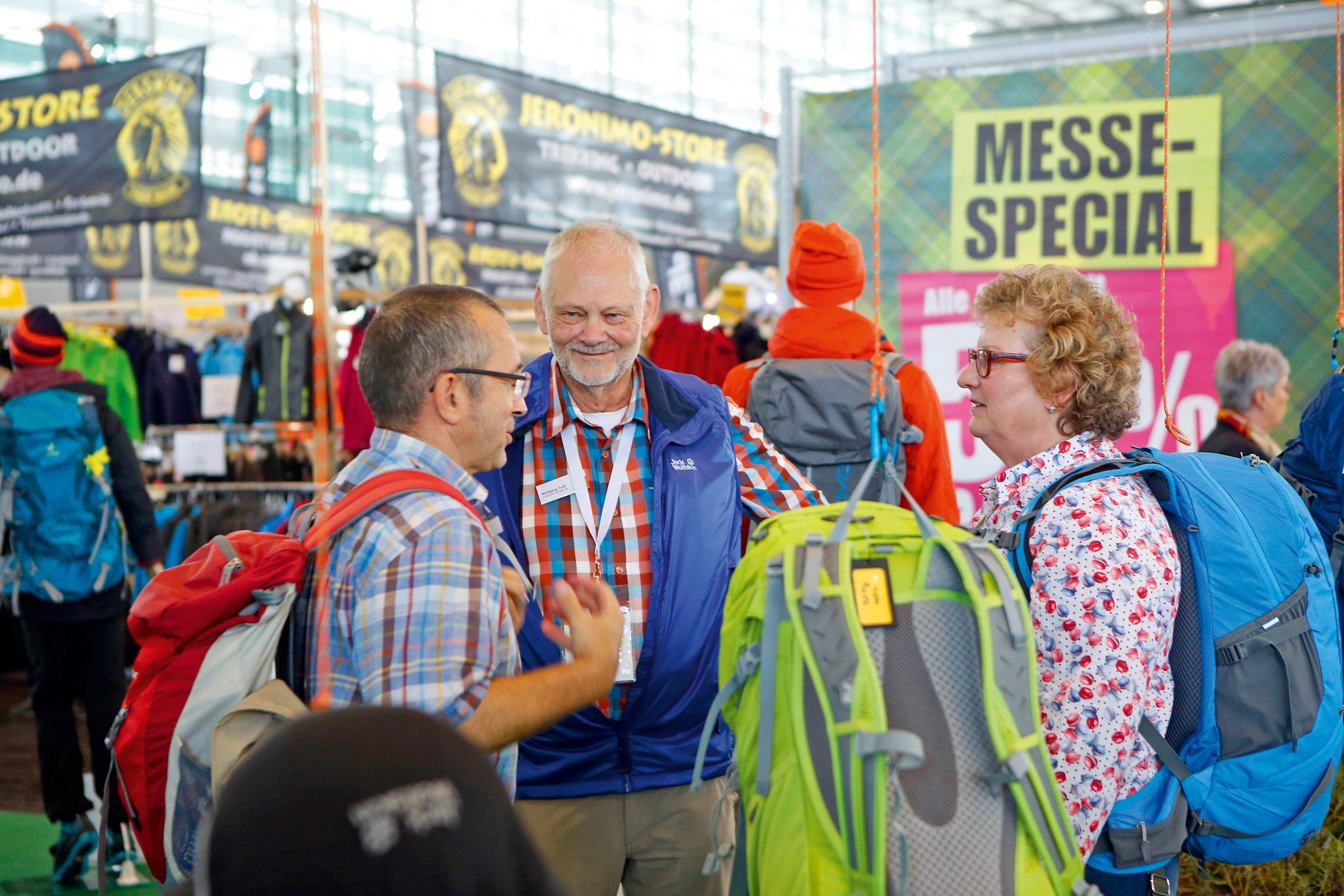 Wandermagazin-Experte Dr. Wolfgang Todt berät zum Thema Ausrüstung © Messe Düsseldorf