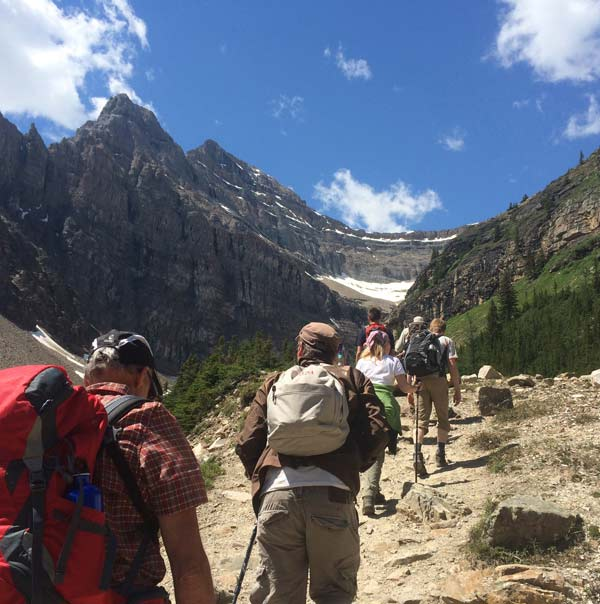 Wandergruppe im Banff Nationalpark, Rocky Mountains © Canada Dream Tours