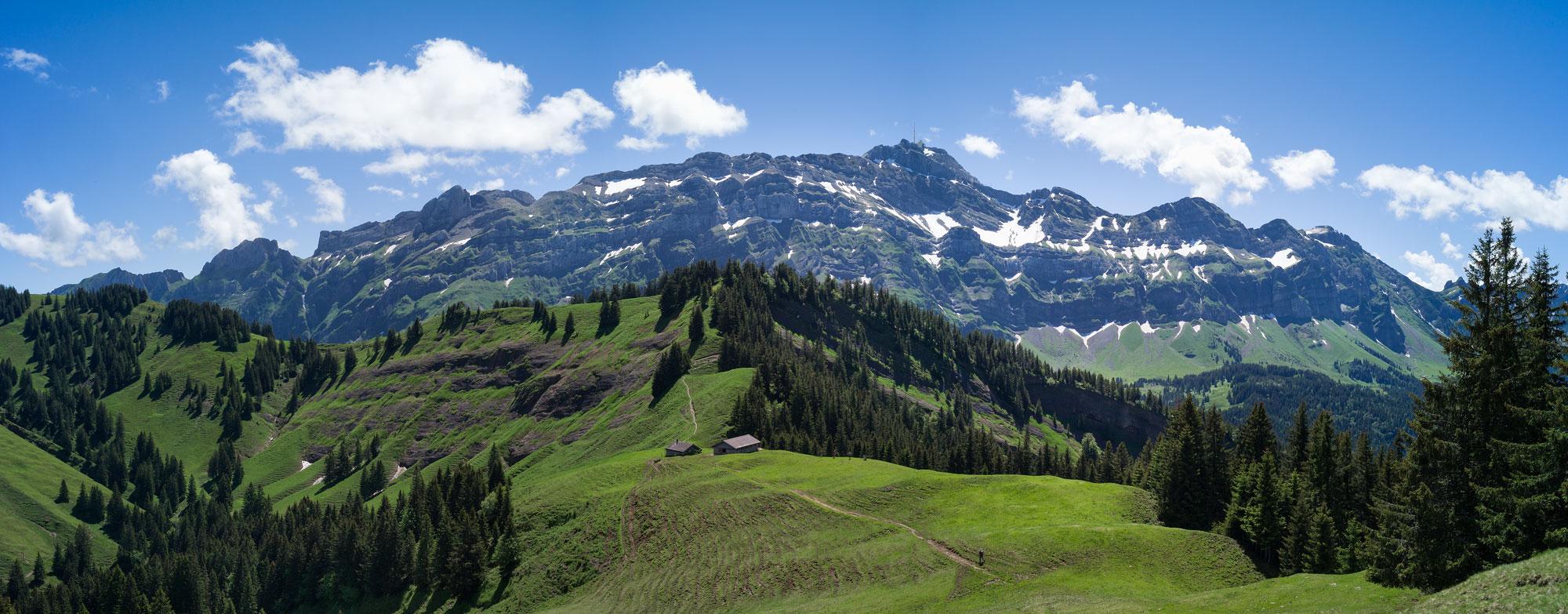 Der Säntis ist mit 2.502 mder höchte Gipfel des Alpstein © Martina Basista