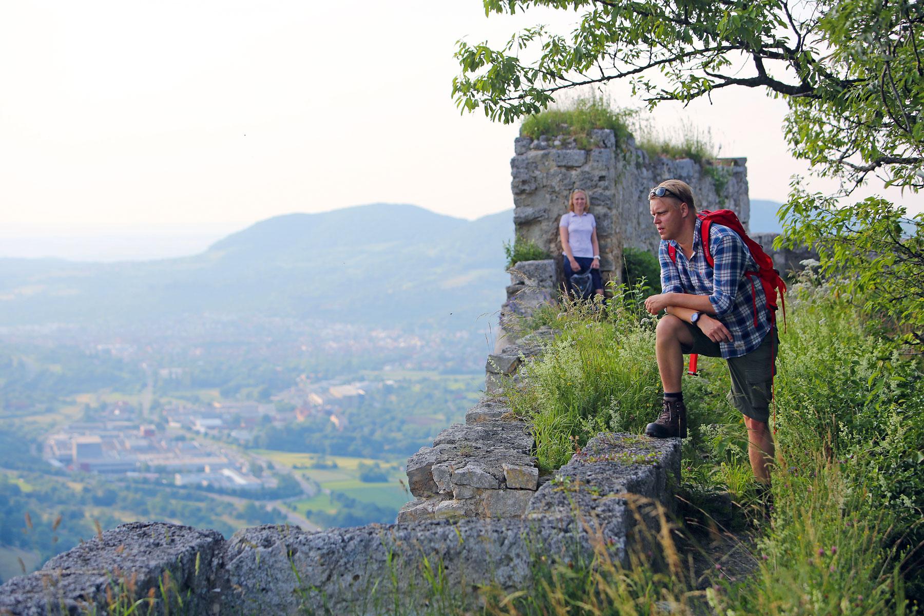 Blick von der Ruine Hohenurach auf die Stadt Bad Urach © Bad Urach Tourismus