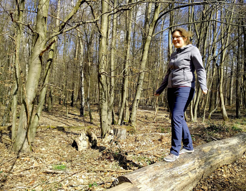 Waldspaziergang oder Stadtbummel – beides sind Einsatzgebiete für die Clara II Hose © Svenja Walter