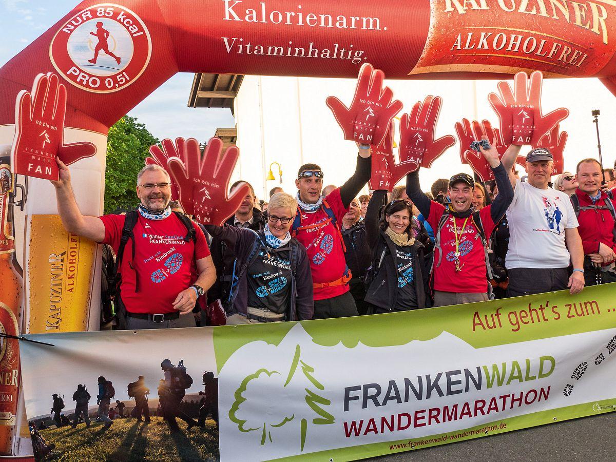 Gute Laune am Start beim Frankenwald Wandermarathon © Frankenwald Tourismus, Maximilian Gröger