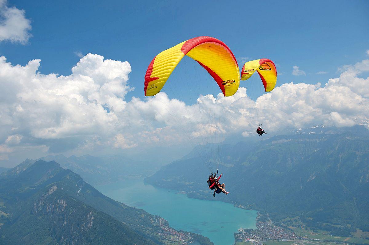 Die Campingregion Interlaken von oben erleben © Paragliding Interlaken