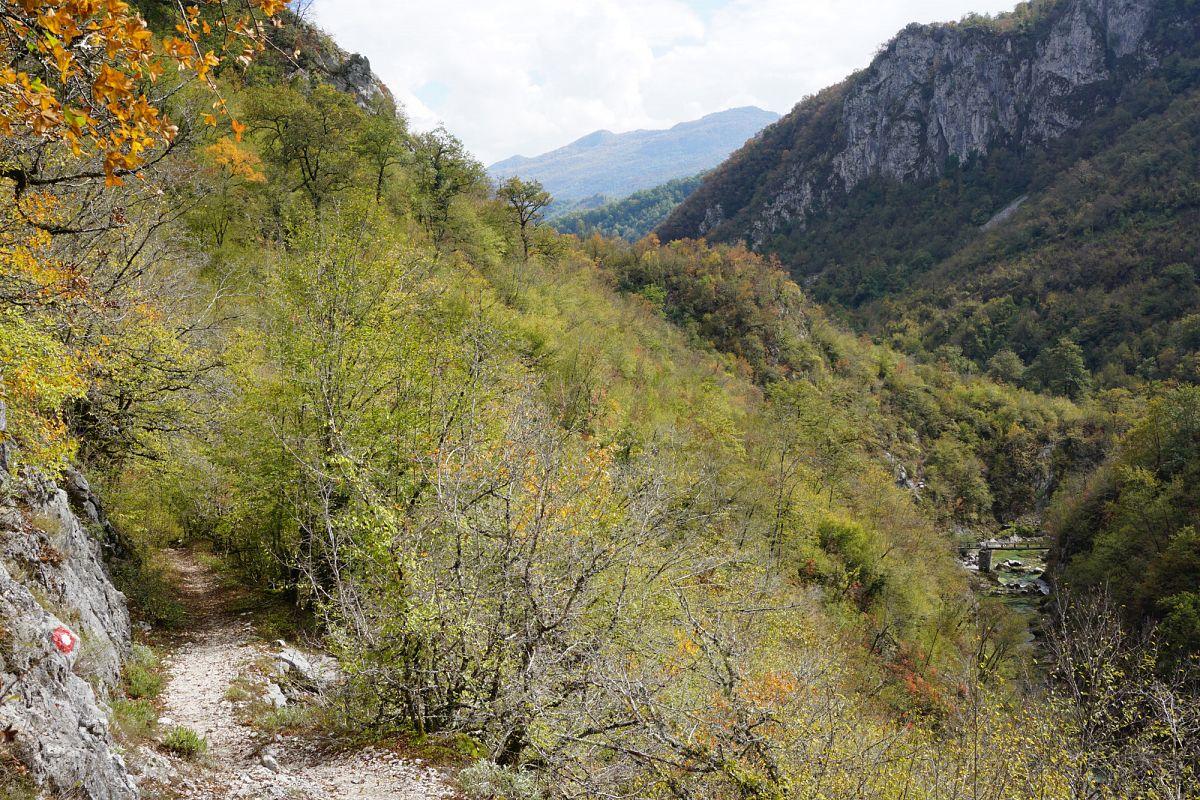 Auf der Wanderung durch den Mrtvica Canyon © Thorsten Hoyer
