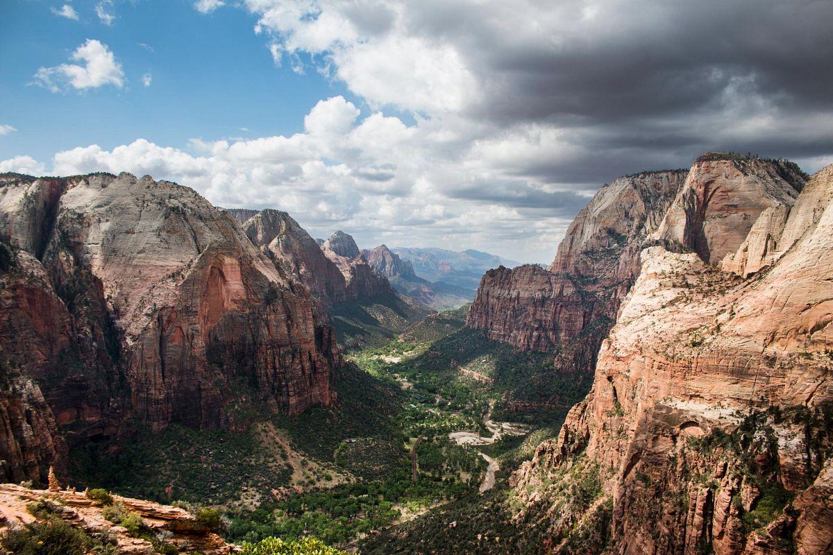 Der Zion Canyon  auf der Angels Landing Wanderung in Utah auf Seite 88 © ©Kevin Crowley/JKev