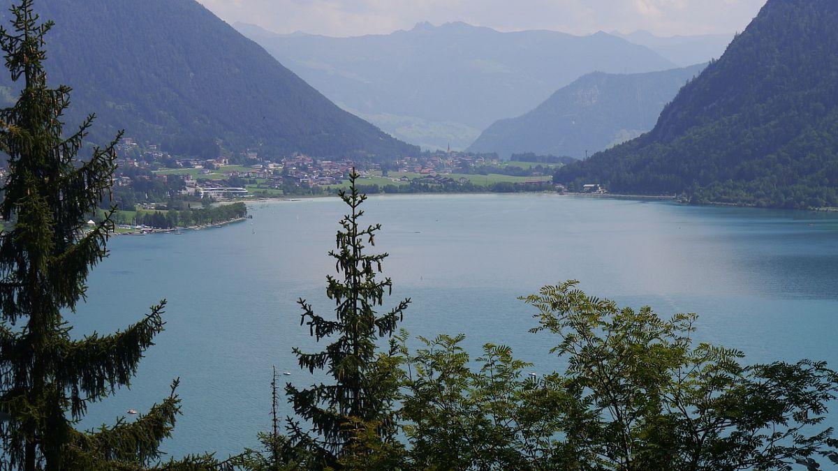 Am Achensee inTirol liegt mit dem Hotel Bergland ein Hotel mit der idealen Wanderumgebung, das sich ganz besonders um die kleinen Wanderer kümmert.