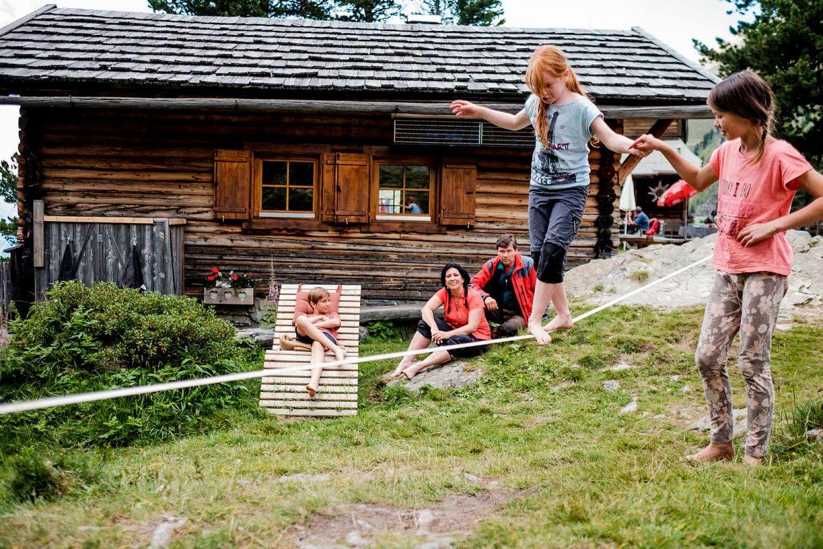 Hüttenübernachtungen sind ein großes Abenteuer. Manche Hütten eignen sich besonders für Kinder. © Deutscher Alpenverein