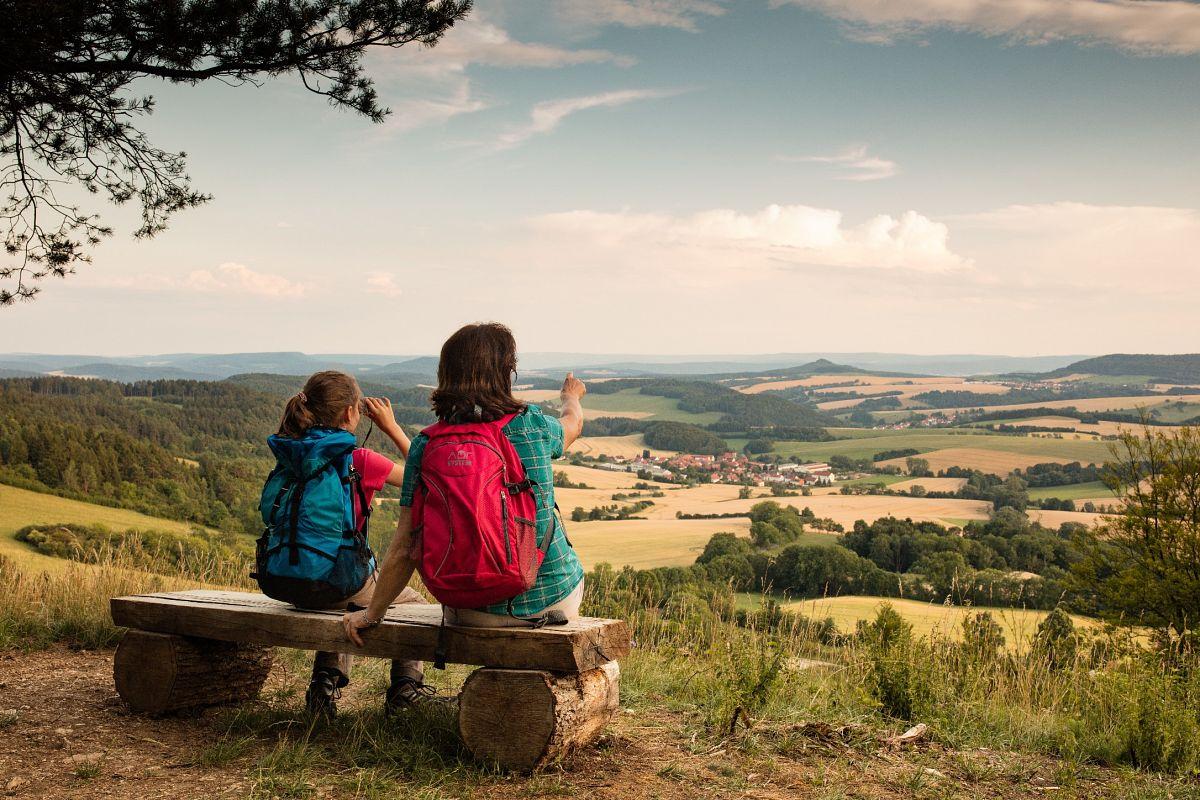Wandern im Naturpark Eichsfeld-Hainich-Werratal © Tino Sieland