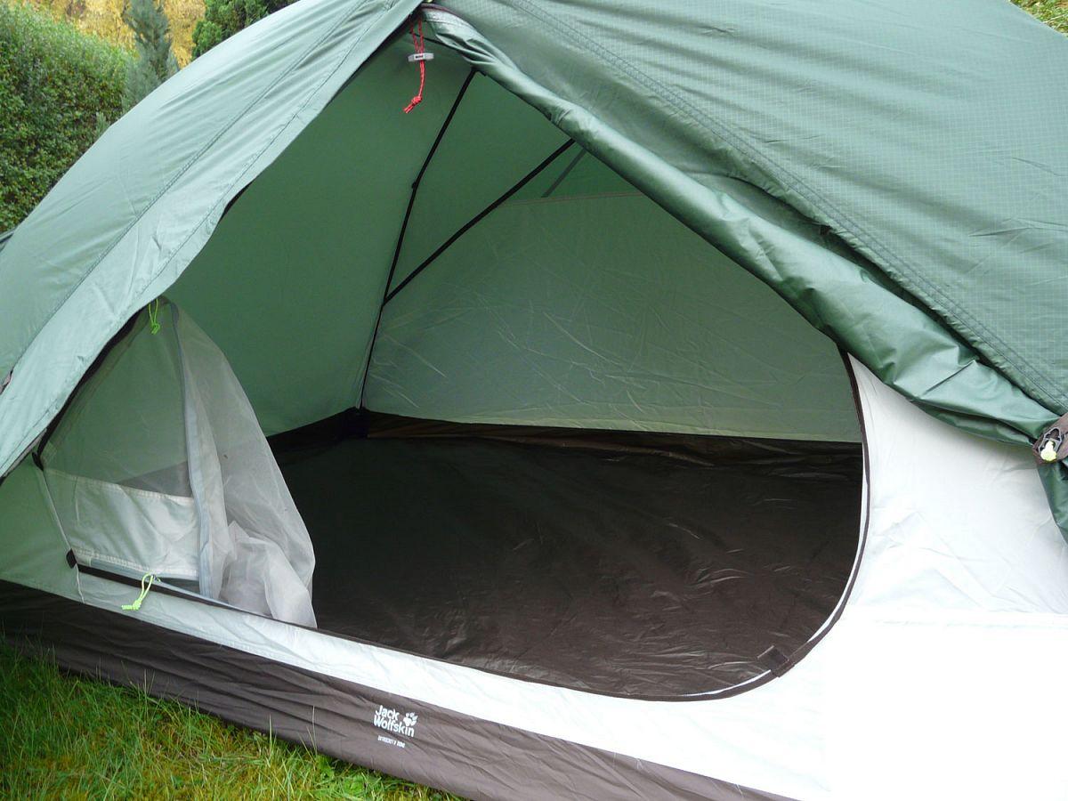Ein großer Eingang für einen einfachen Einstieg ins Zelt © Ricarda Große