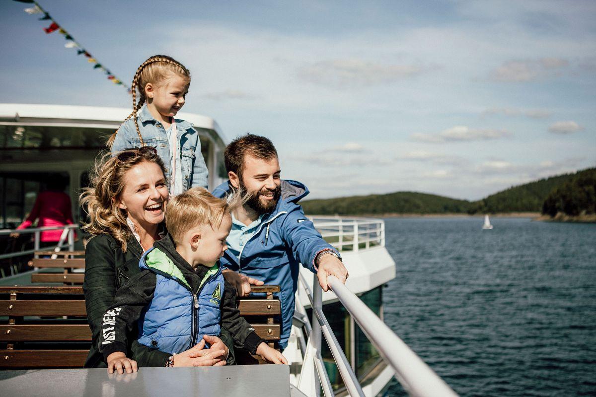 Die Wanderung kann per Schiff auch abgekürzt werden. ©TV Biggesee-Listersee