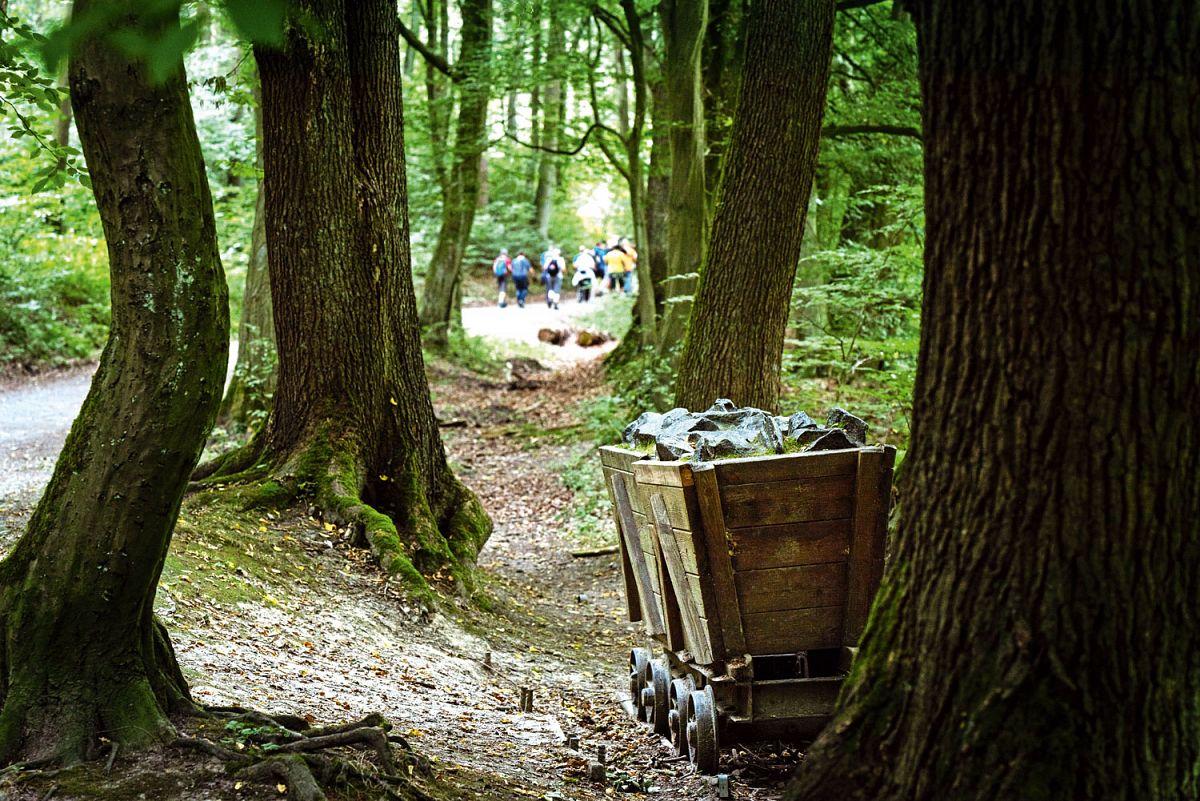 Wanderer im Erlebnisraum Muttental © pixelpilot.tv, Ludger Staudinger