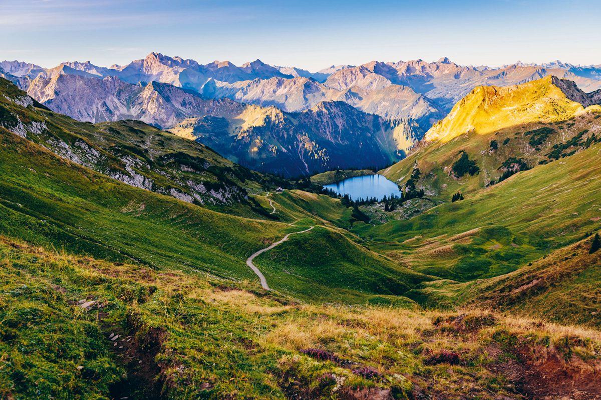 Bergsee-Panorama in den Allgäuer Hochalpen © Paul Meixner
