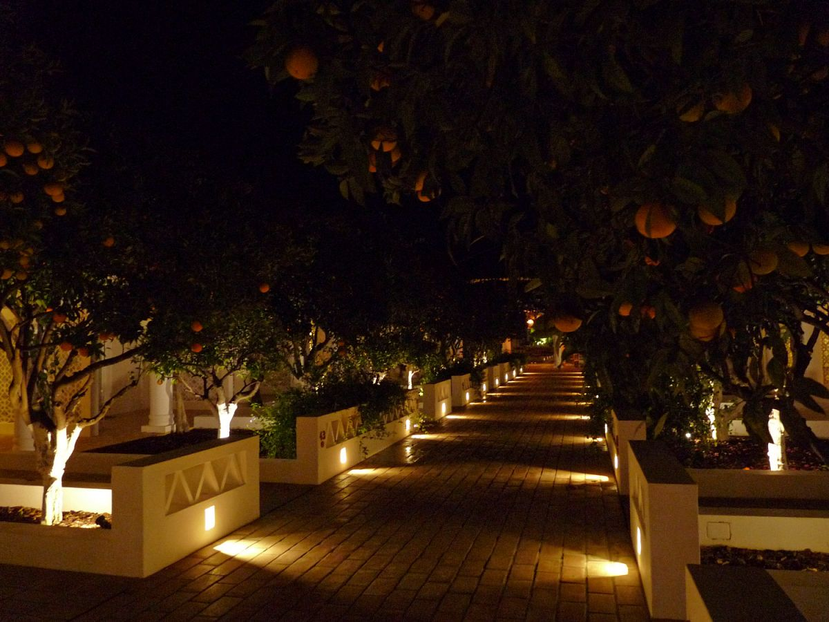 Im Vila Monte Farmhouse bei Nacht
