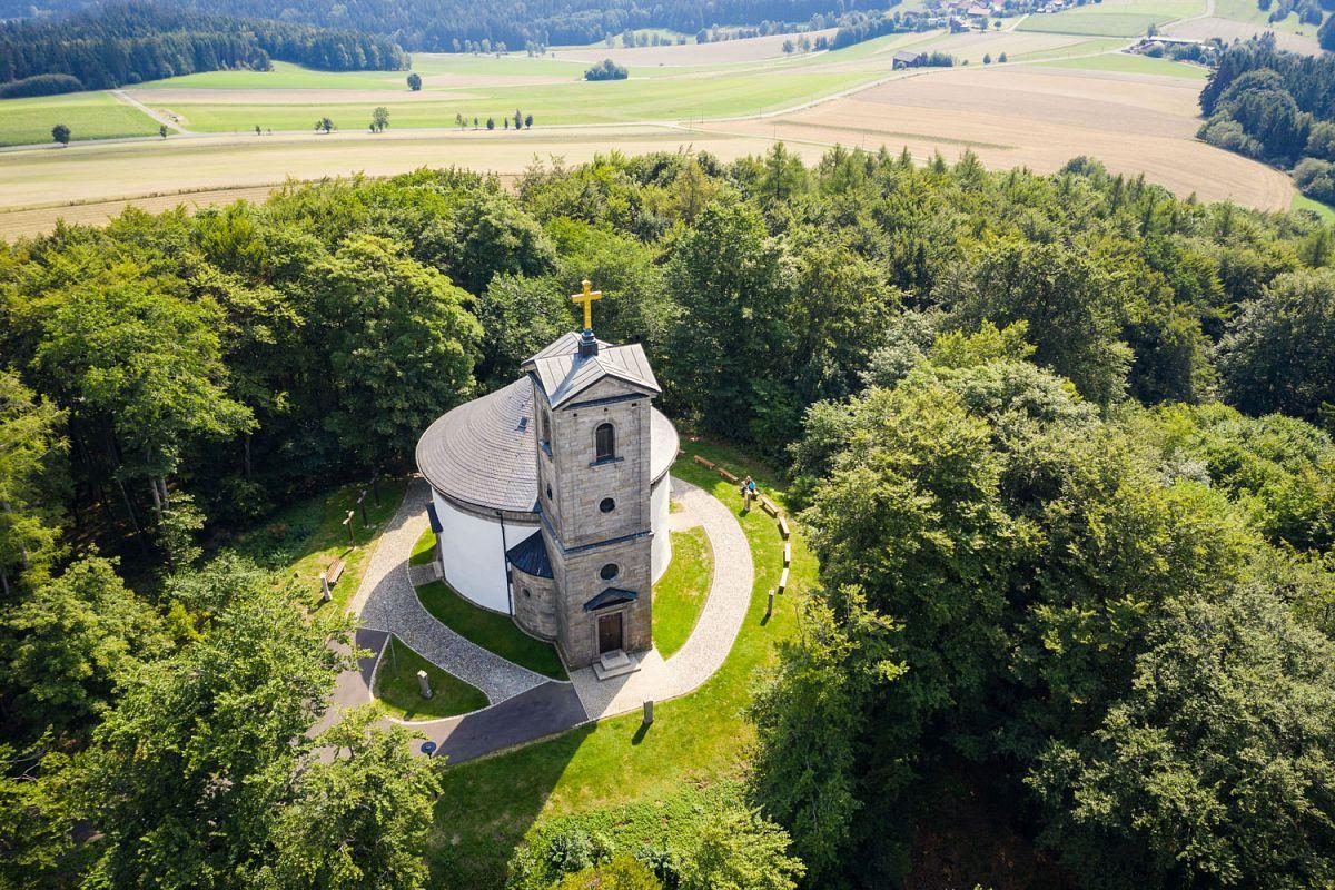 Wallfahrtskirche auf dem Armesberg bei Kulmain © Steinwald-Allianz