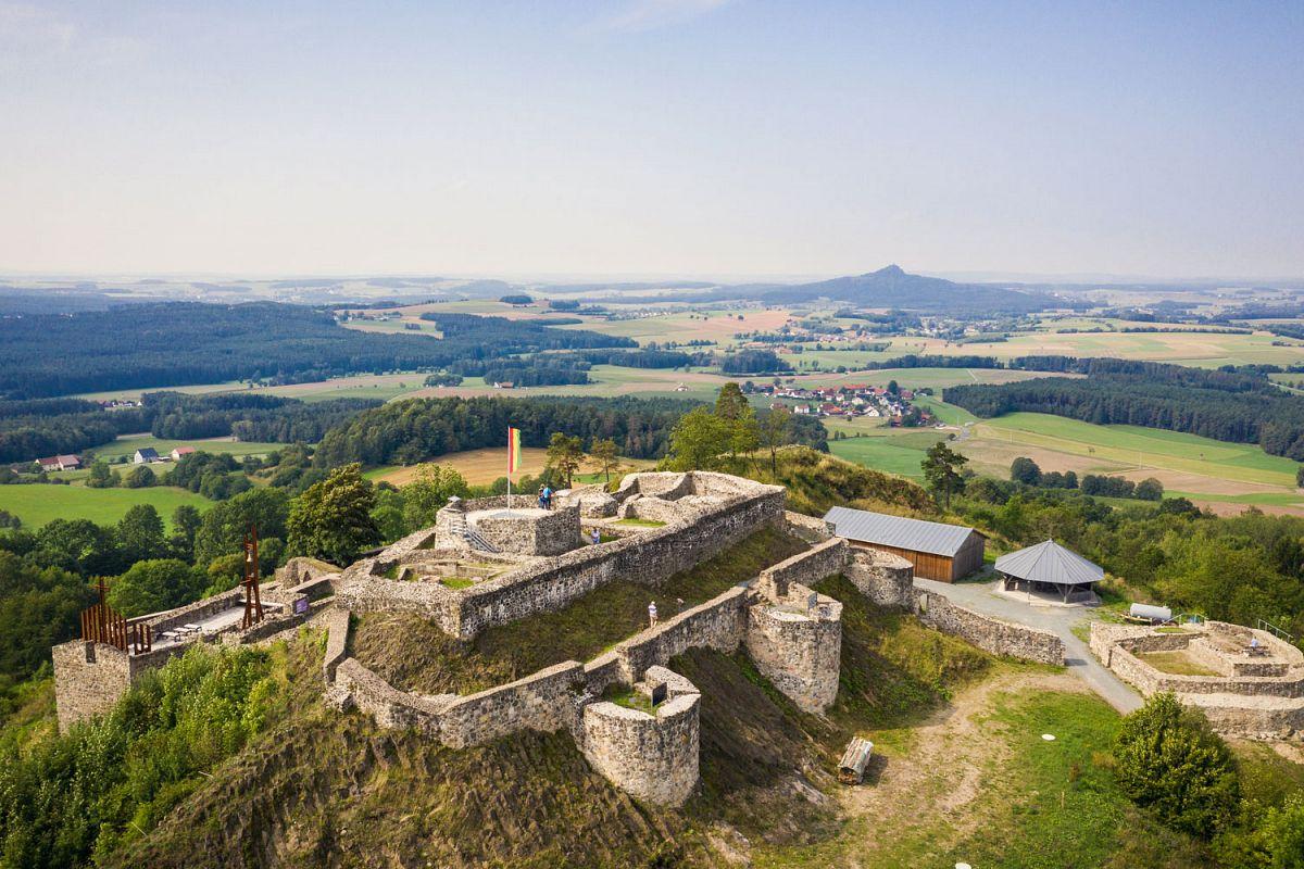 Schlossberg, Burgruine Waldeck © Steinwald-Allianz