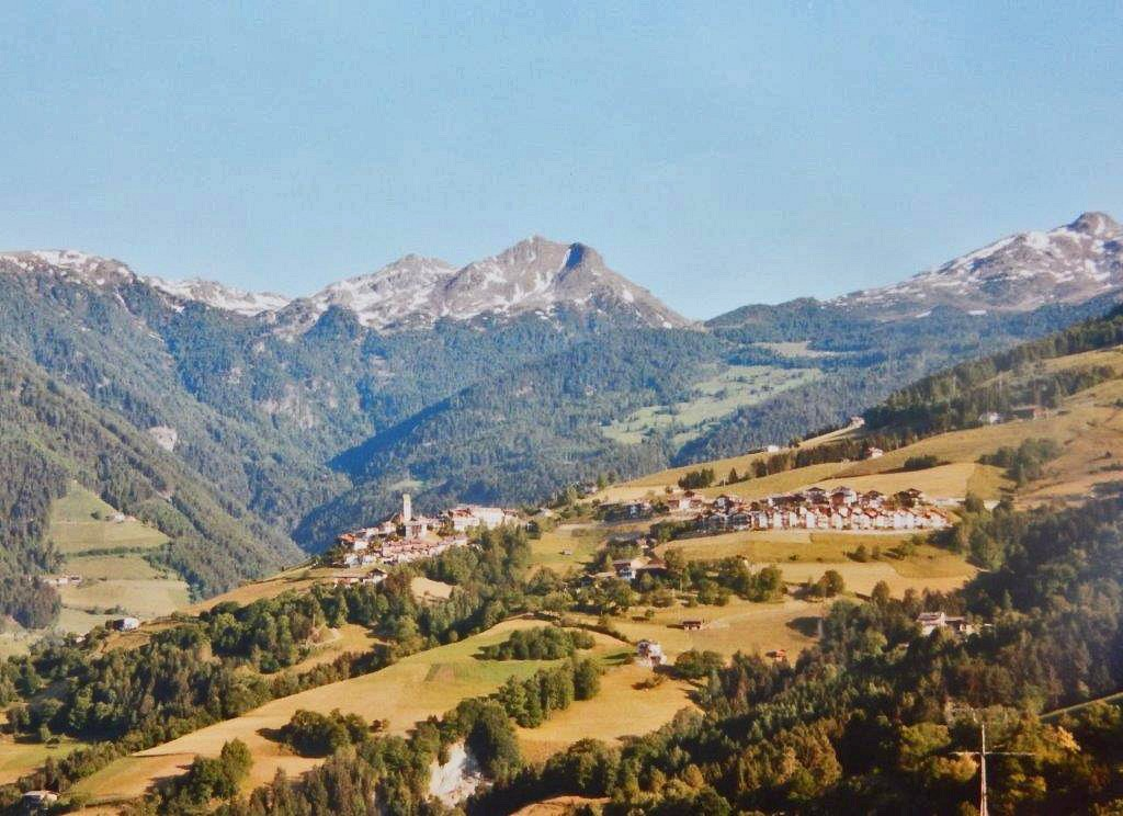 Blick von Verdings  auf Latzfons und die Sarntaler Alpen © Dr. Konrad Lechner