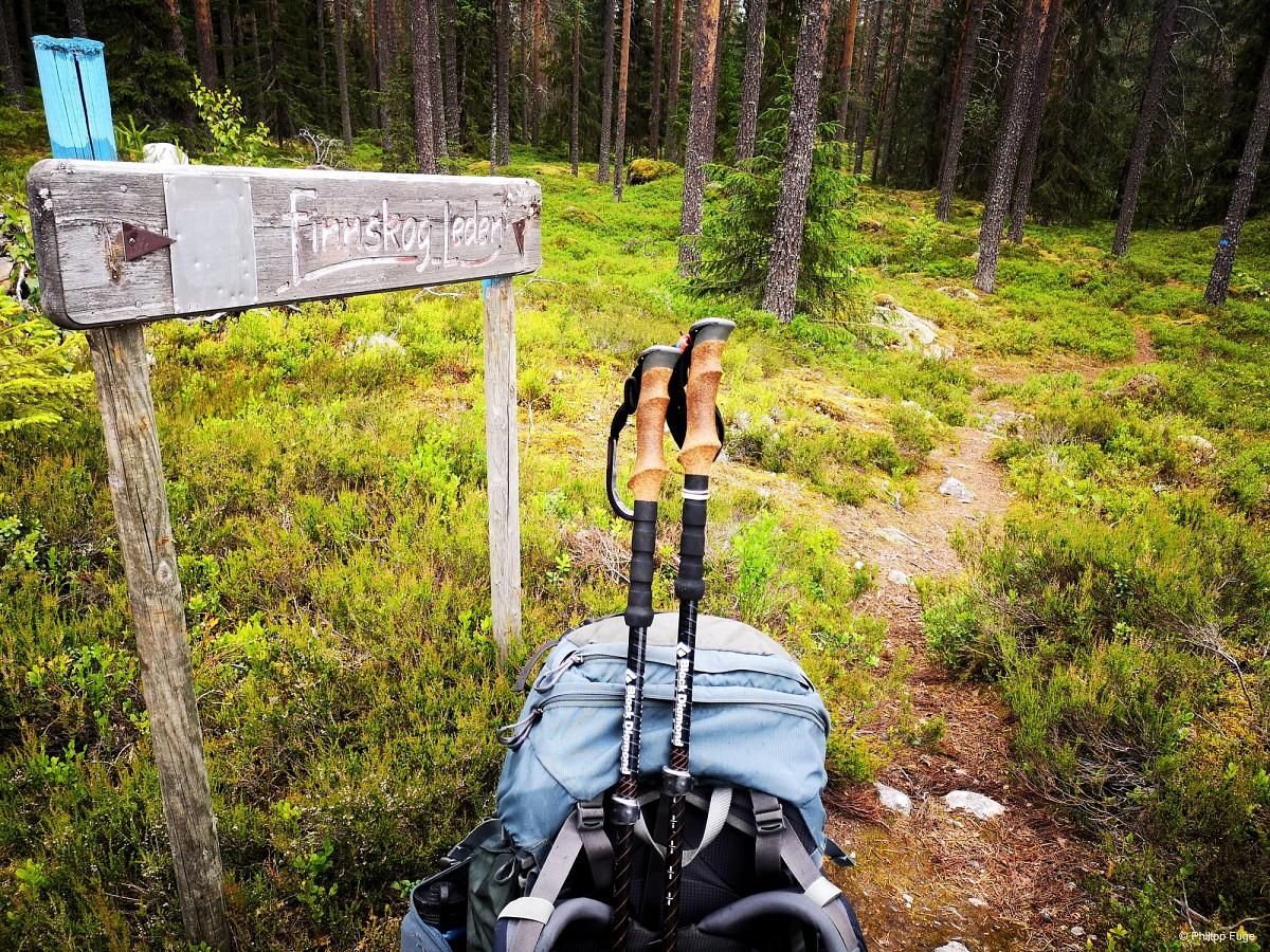 Ein Wanderweg im Grenzgebiet von Schweden und Norwegen