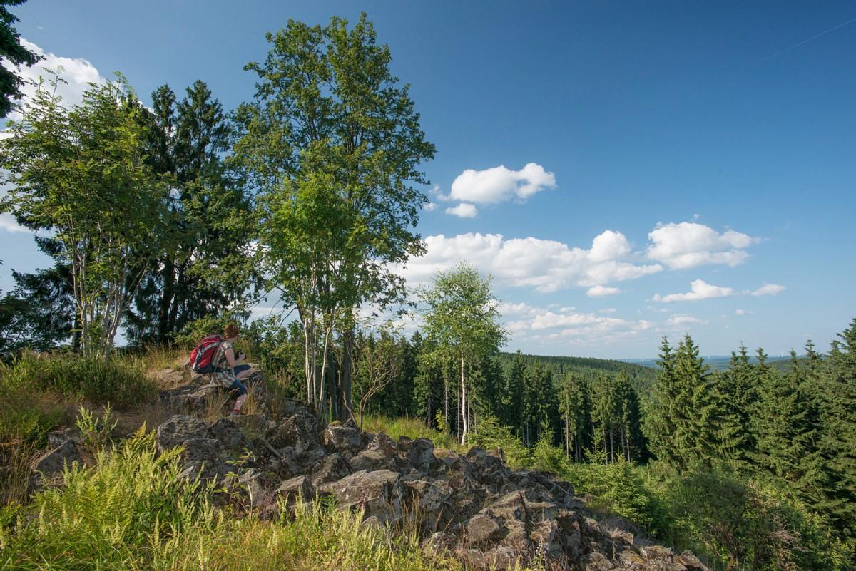Rothaarsteig-Spur Trödelsteinpfad bei Burbach © Kappest, TVSW