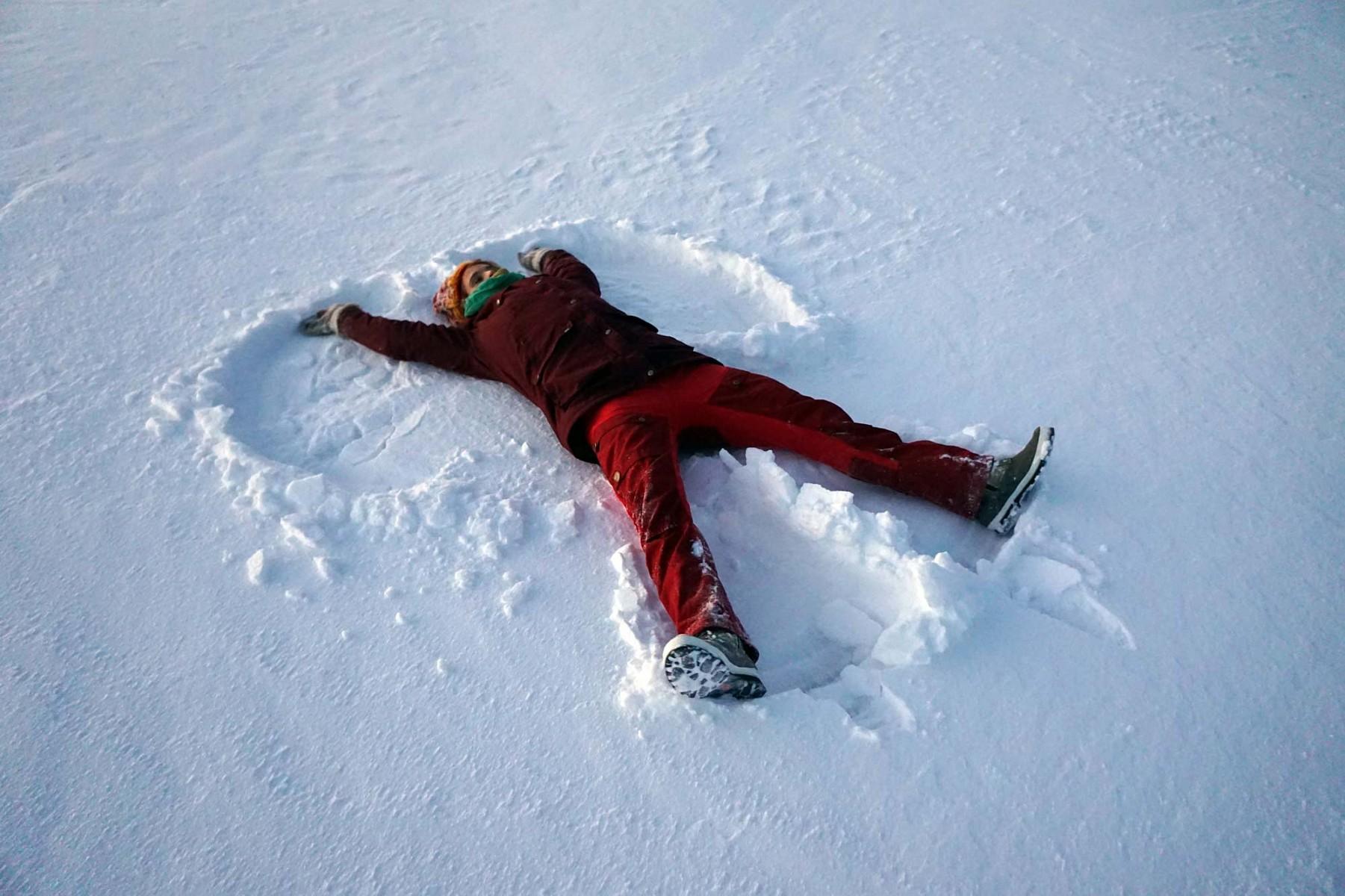 pAuf-einem-Ausflug-in-der-Naumlhe-der-Huumltte-entstand-auch-dieses-Schnee-Kunstwerknbspp