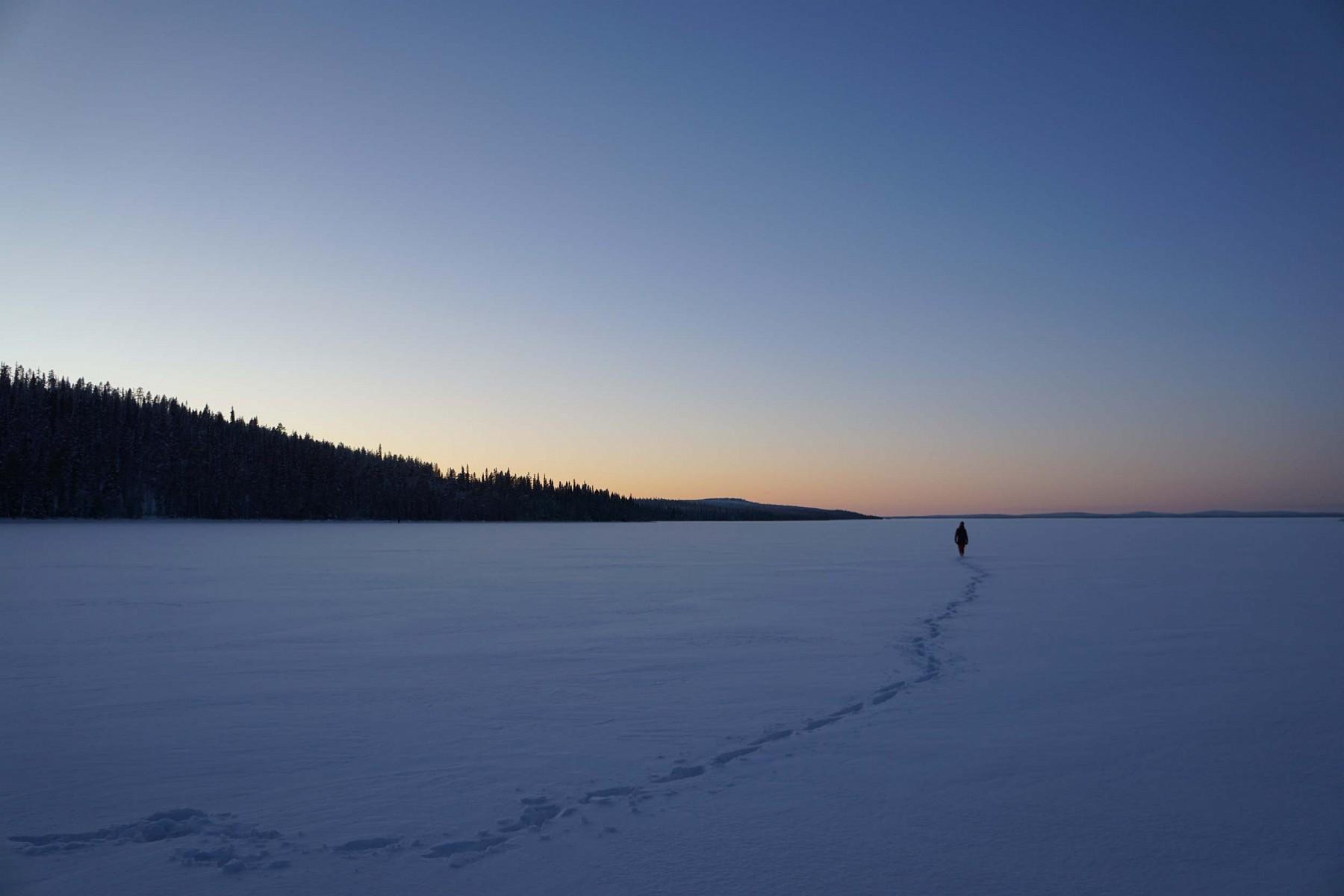 pWander-AutorinnbspHanna-Engler-hatnbspin-der-finnischen-RegionnbspKuusamo-Ruka-einige-Tage-im-Schnee-verbracht-Ihre-Bilder-lassen-uns-erahnen-wie-beeindruckend-und-spaszligig-das-Erlebnis-warnbspbr-Das-erste-Foto-wurde-waumlhrend-eines-Spaziergangs-in-der-Naumlhe-ihrer-Huumltte-amnbspSee-Yli-Kitka-aufgenommen-ca-30-Minuten-entfernt-von-der-StadtnbspKuusamoppspan-stylefont-size14pxemFotos-copy-Hanna-Engleremspanp