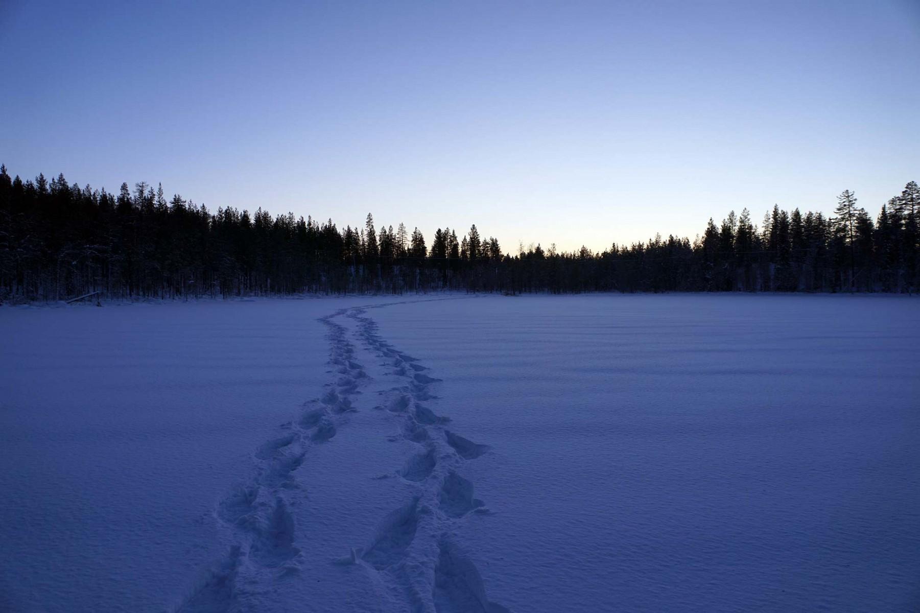 pquotWas-gibt-es-besseres-alsnbspsich-einen-Weg-uumlber-die-Seen-im-Oulanka-Nationalpark-zu-suchen---und-dann-einfach-mitten-in-die-Waumllder-von-Juum-hineinquotp