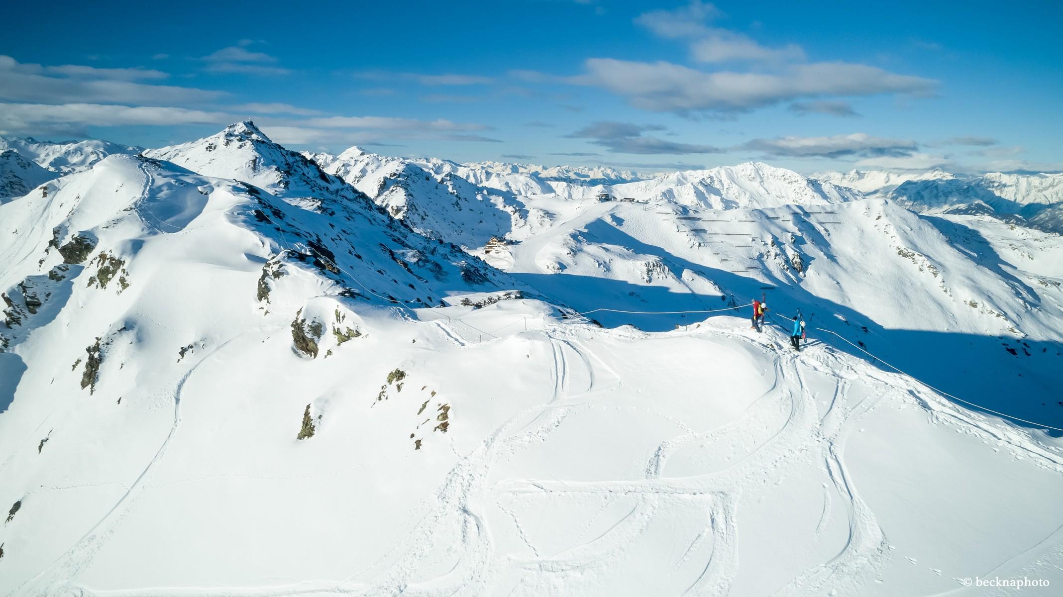 pUmgeben-von-einem-atemberaubenden-360deg-Panorama-geraumlt-dernbspTrubel-dernbspSkipistenbspeinen-Moment-lang-in-Vergessenheitp