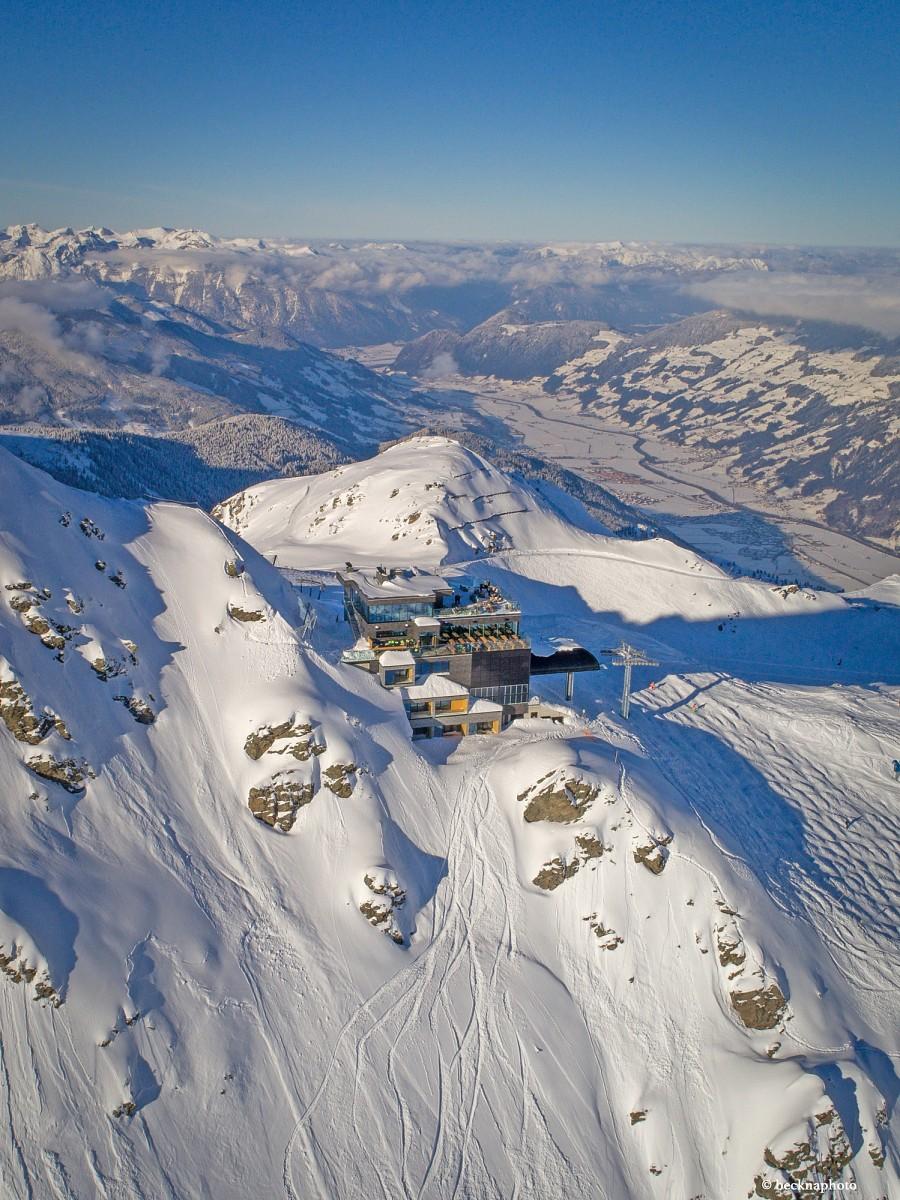 pDirektnbspauf-der-Sonnenterrasse-des-Albergos-beginnt-der-durchgaumlngig-gesichertenbspWinter-Alpinsteigp