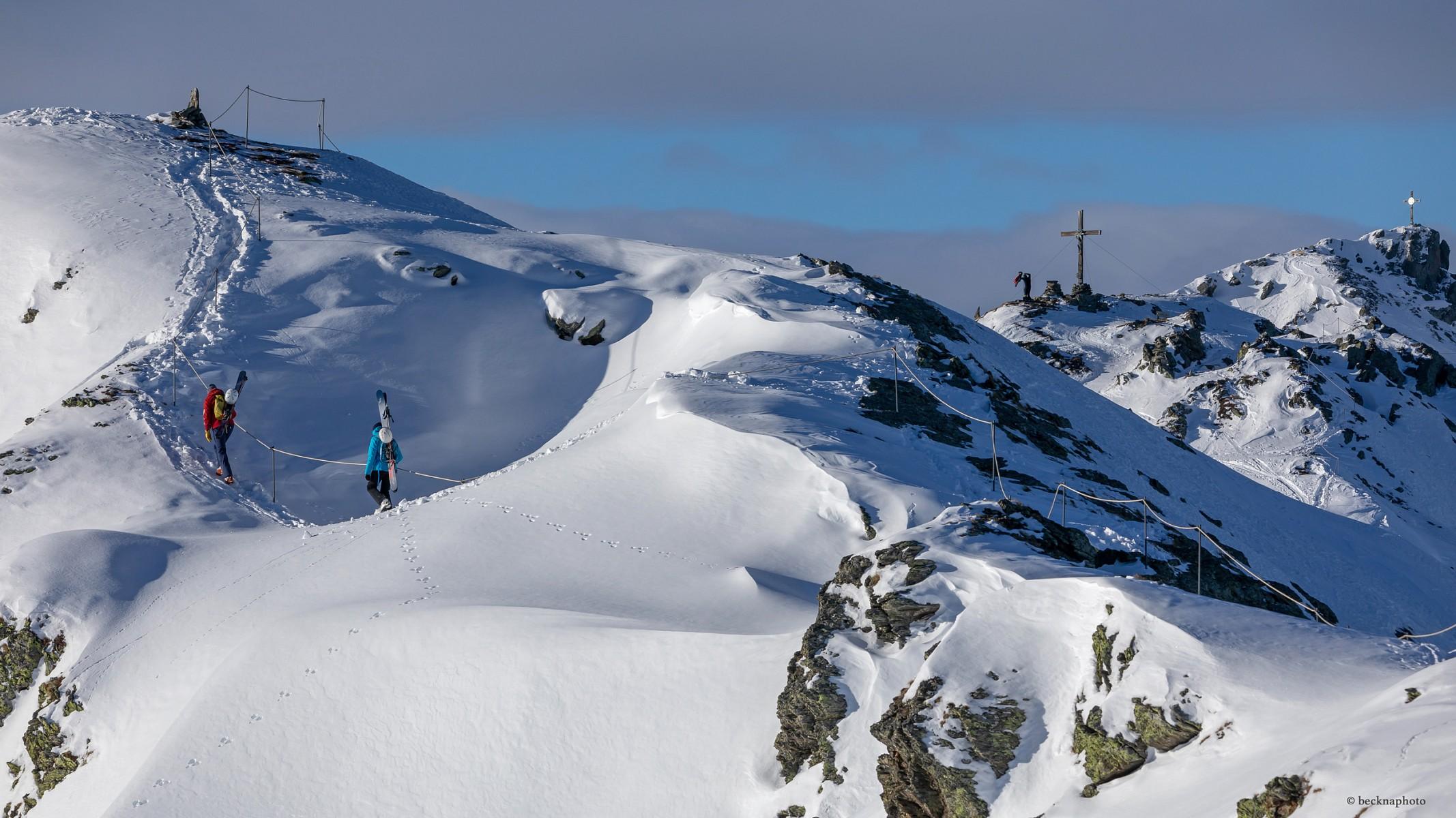 pDas-erste-Etappenziel-ist-das-Gipfelkreuz-des-Wimbachkopfes-auf-2442-m-Houmlhep