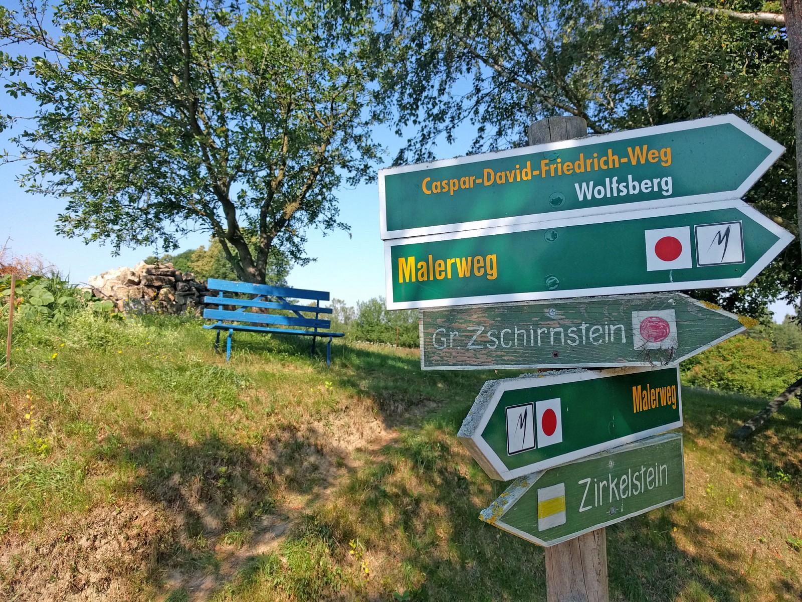 p8-Etappen-von-Liebethal-bis-Pirna-erwarten-uns-in-der-Saumlchsischen-Schweiz-Gefuumlhlt-wird-auf-dem-Weg-kein-Tal-und-kein-Berg-ausgelassen-Doch-die-Anstrengungen-lohnen-sich-jedes-Malppspan-stylefont-size11pxAlle-Fotos-copy-Ricarda-Groszligespanp