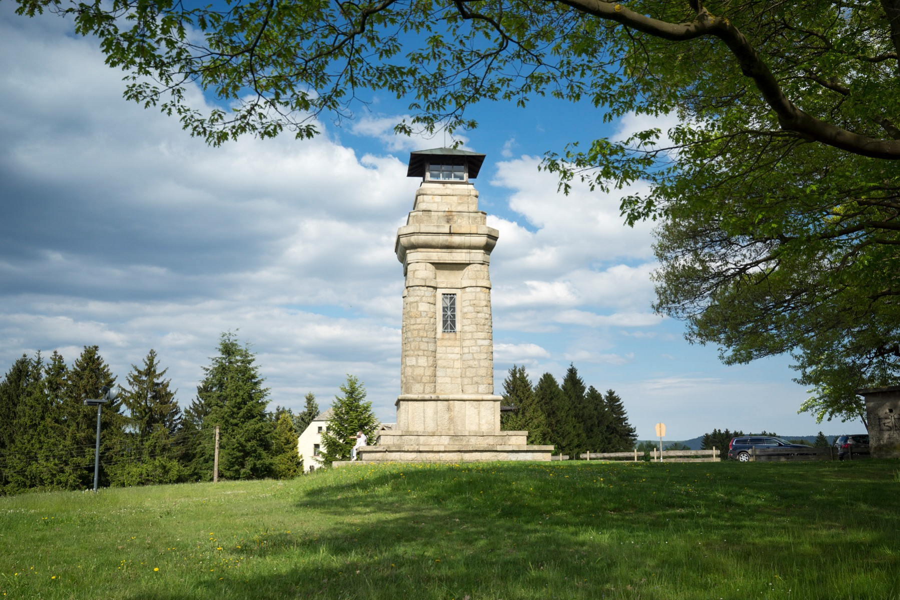 pDer-imposante-Bismarckturm-beinbspMarkneukirchen-ermoumlglicht-einen-Ausblick-uumlber-das-Vogtlandnbspbr-span-stylefont-size12pxcopy-TVV-T-Peiskerspanp